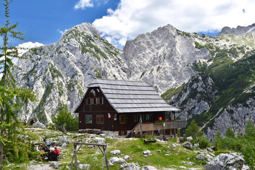 Češka koča, Kamnicko-Savinjské Alpy, Slovinsko