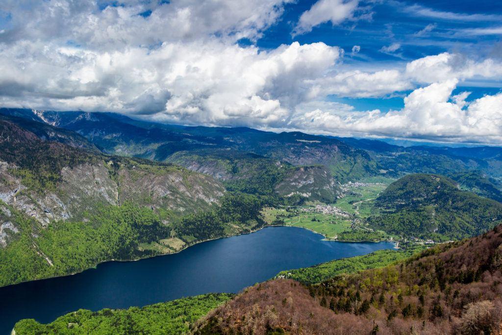 Bohinjské jezero, Julské Alpy, Slovinsko
