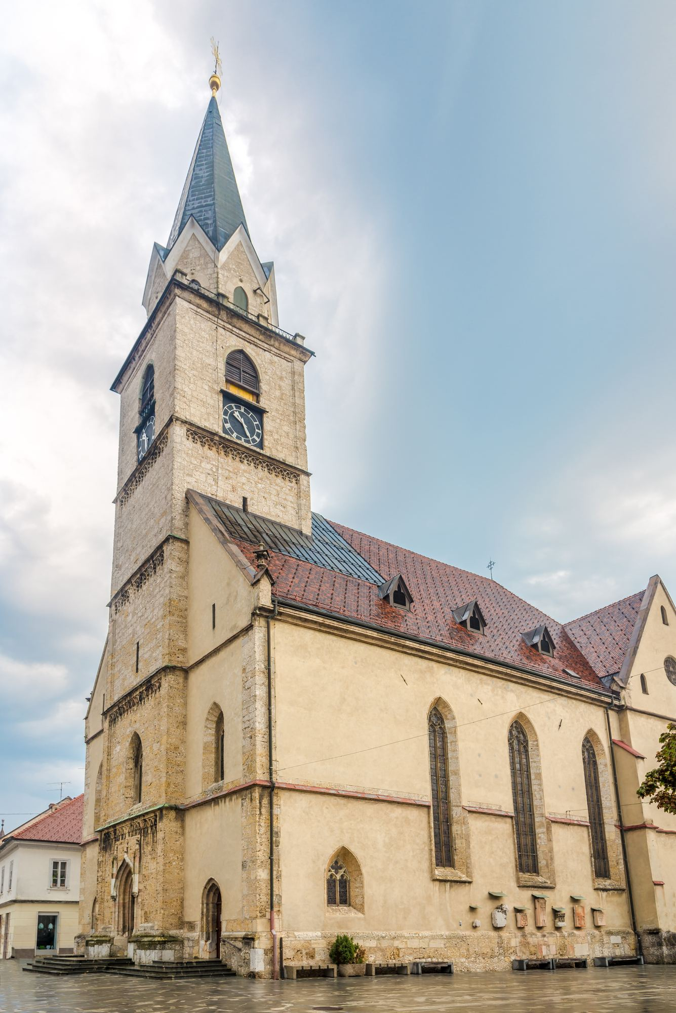 Kostel, Kranj. Slovinsko