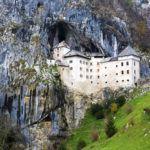 Predjamský hrad, Slovinsko. Foto: Postojnska jama