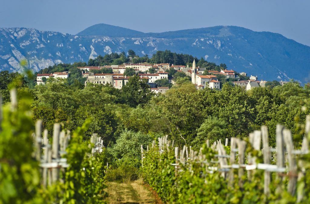 Štanjel, Kras, Slovinsko. Foto: Marijan Močivnik
