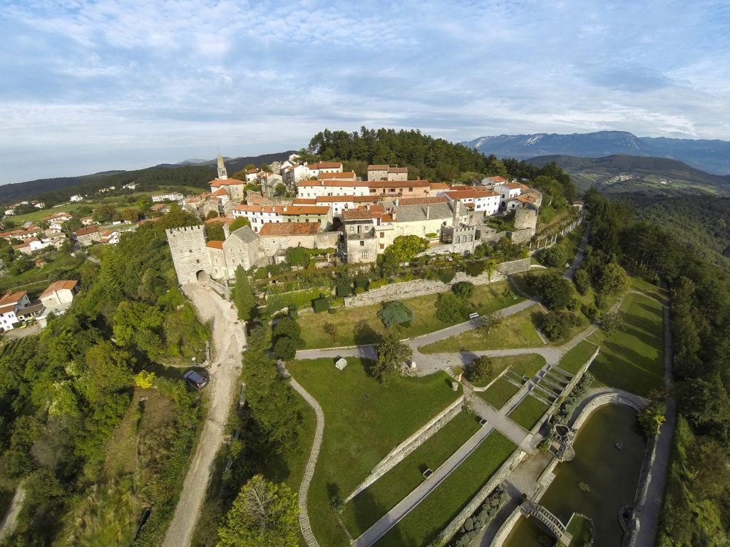 Štanjel, Kras, Slovinsko. Foto: Dejan Šuc, Archiv Občina Komen