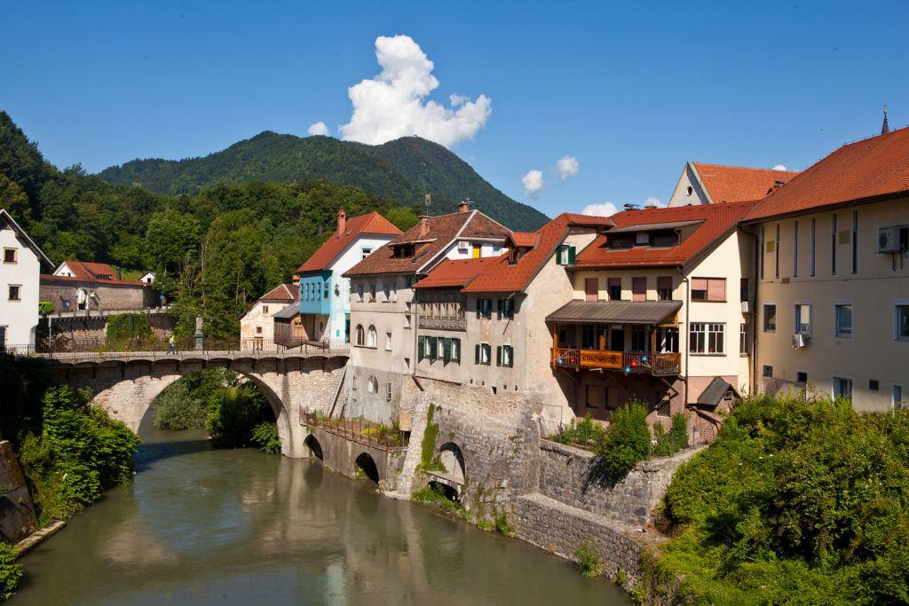 Kamniti most, Škofja Loka, Slovinsko. Foto: Jošt Gantar