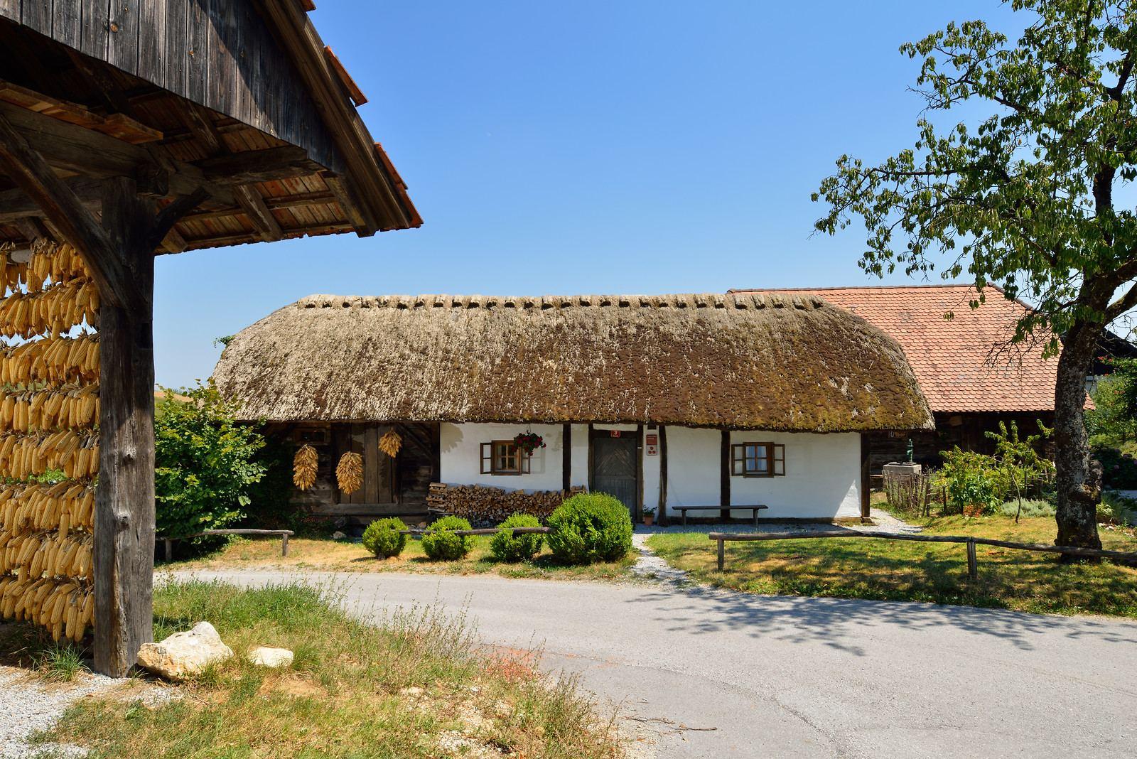 Matjaževa domačija, Slovinsko. Foto: Miran Kambic