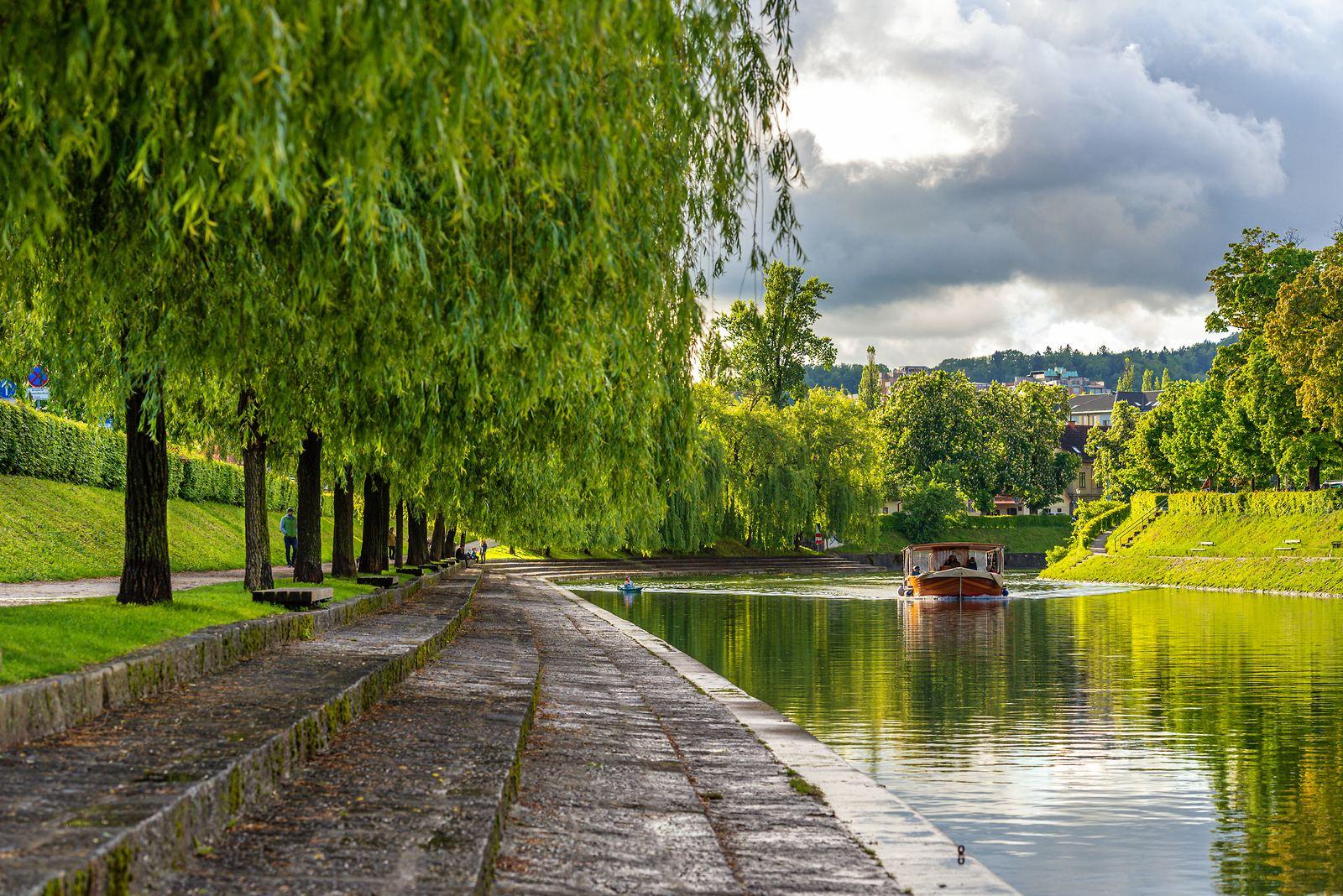 Nábřeží Trnovo, Lublaň, Slovinsko. Foto: Andrej Tarfila