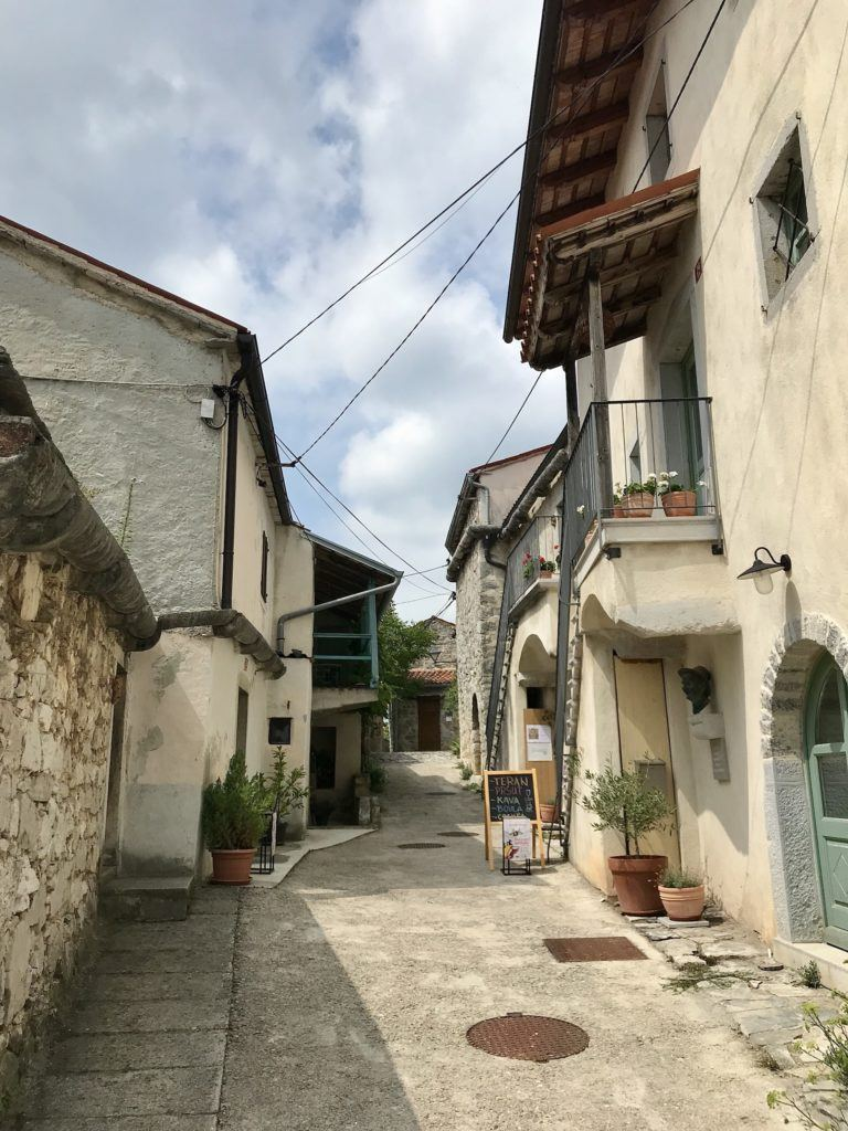 Štanjel, Kras, Slovinsko.