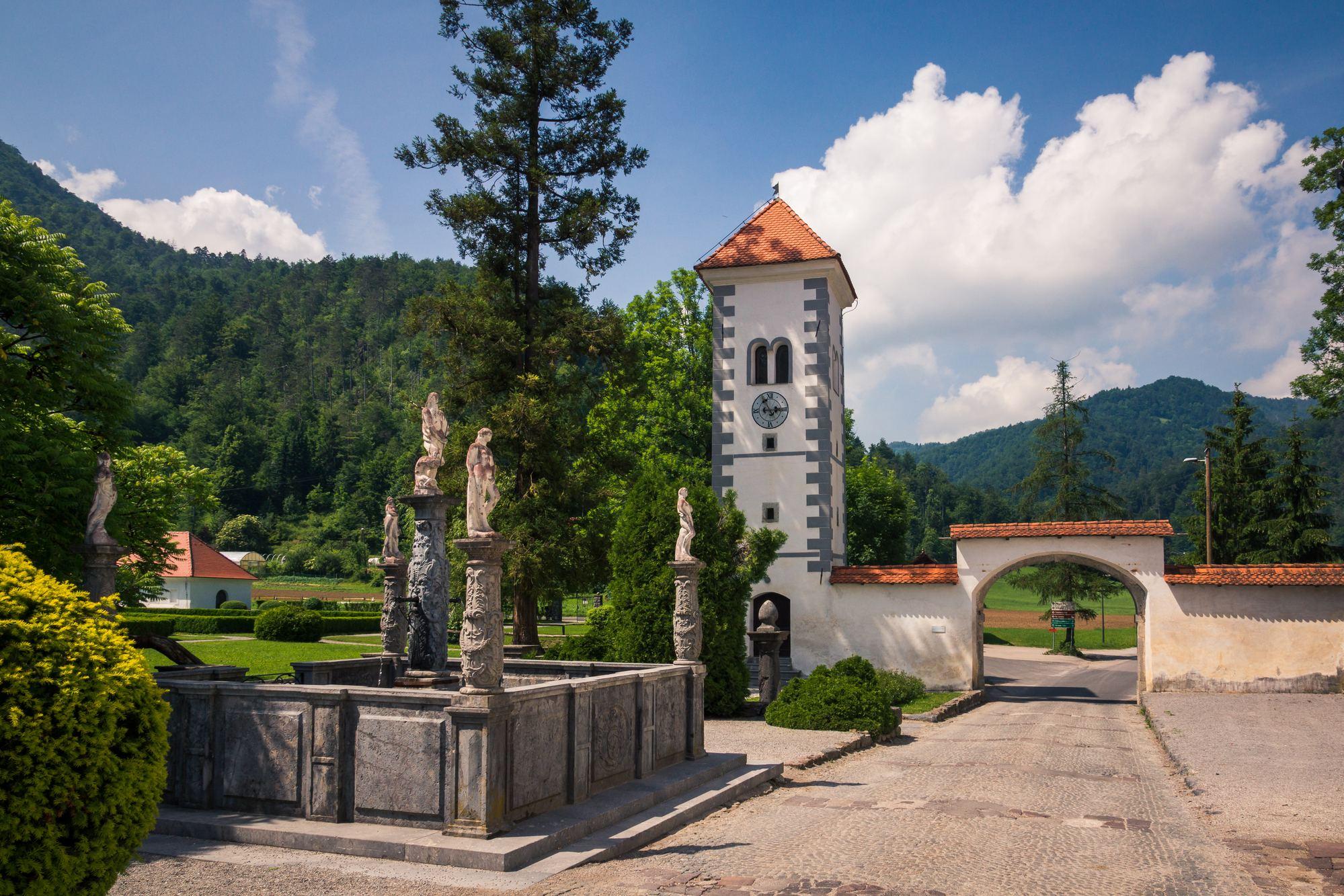 Polhov Gradec, Slovinsko