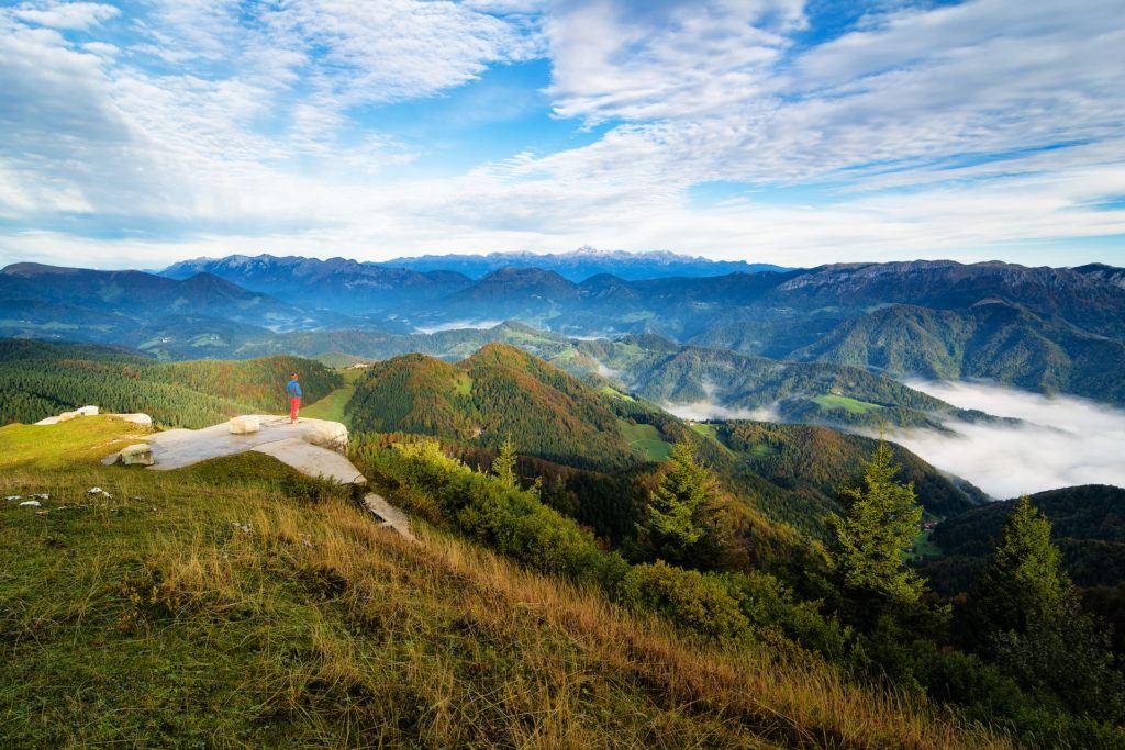 Škofjelosko hribovje, Slovinsko. Foto: Sašo Kočev