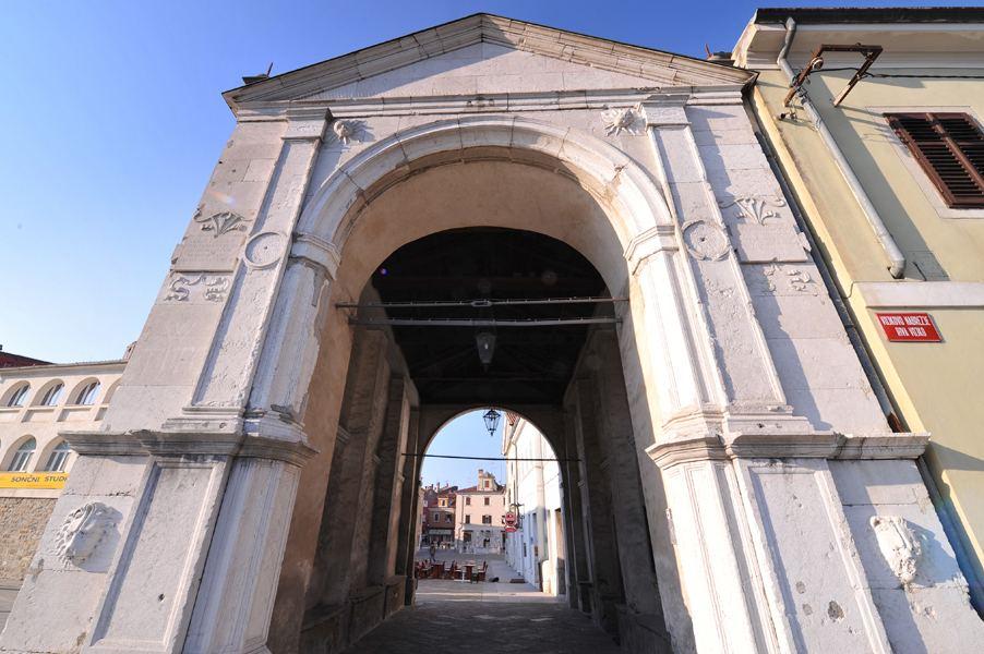 Městská brána Muda, Koper, Slovinsko. Foto: Ubald Trnkoczy