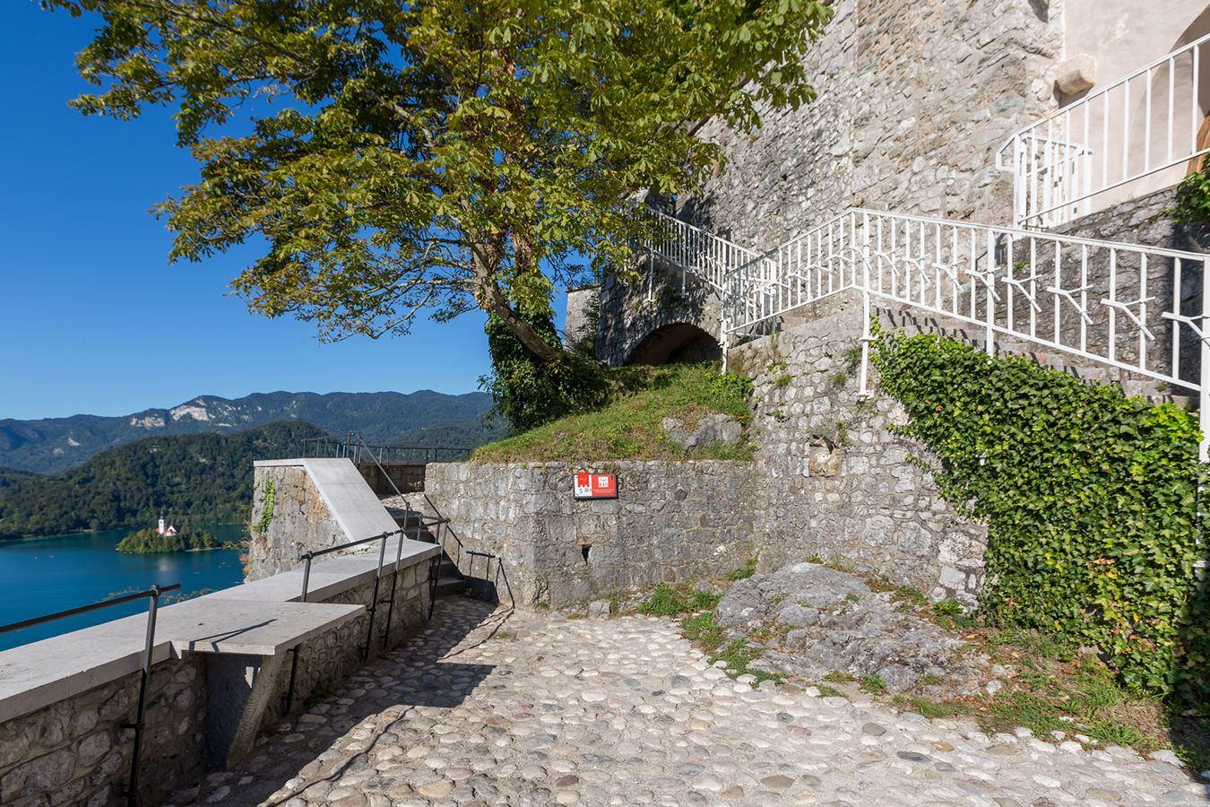 Střední terasa Bledského hradu, Bled, Slovinsko