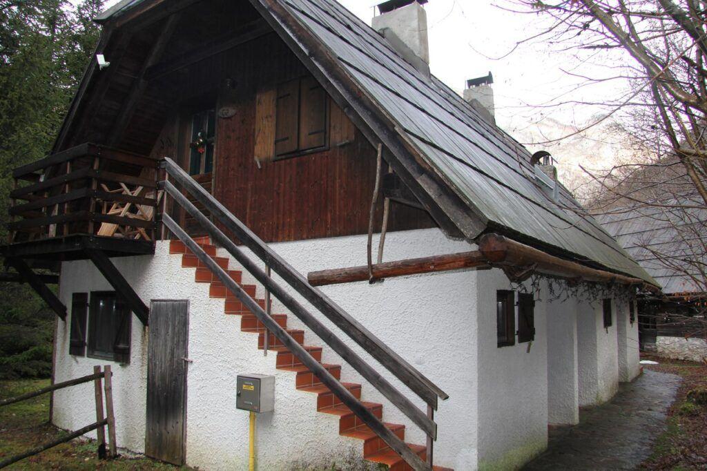 Pristava Lepena, Soča, Slovinsko