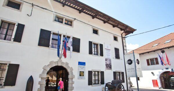 Kobaridské muzeum, Kobarid, Slovinsko. Foto: Jošt Gantar