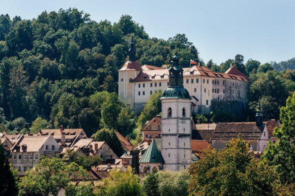 Škofja Loka, Slovinsko. Foto: Miha Skrt